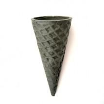 Вафельный рожок черный ровный край (110 мм)